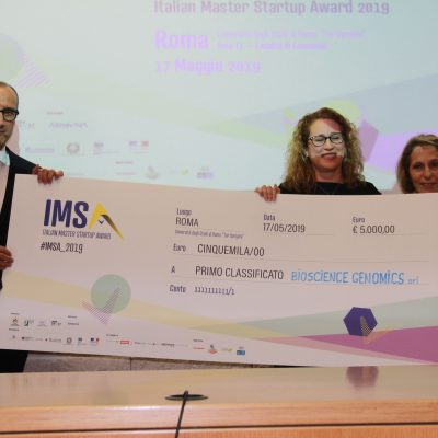 la foto della premiazione di Bioscience Genomics all'Italian Master Startup Award 2019
