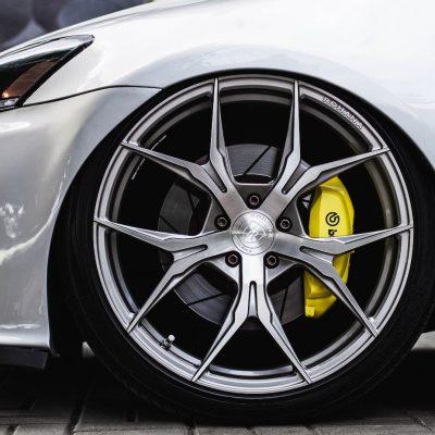 Le auto, Megaride e Dinamica veicolo: Start Me Up prova a essere Top Gear