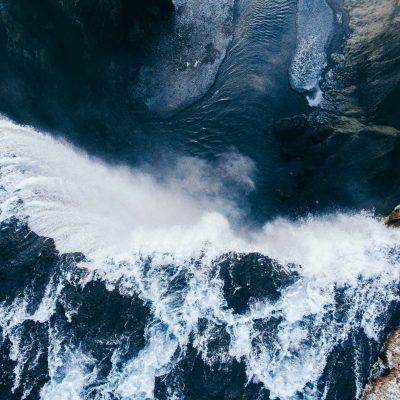 Il flusso creativo della natura e cascate
