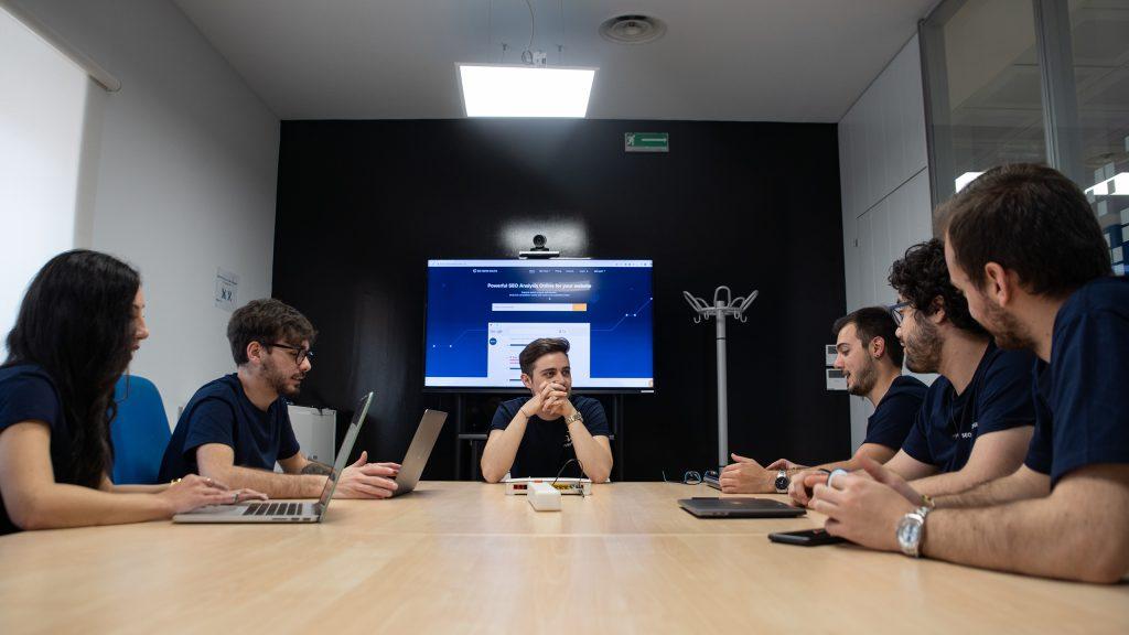 Seo Tester Online - team al lavoro